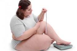 Неудачные попытки сбросить лишние килограммы - фактор для возникновения булимии