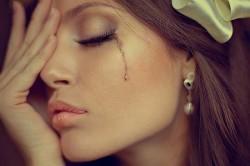 Слезы как признак эмоционального стресса